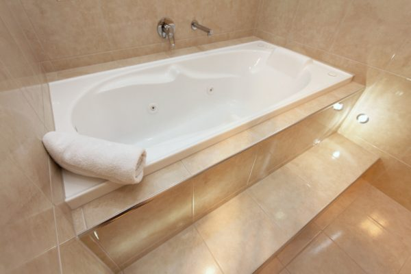 Spa bath in ensuite